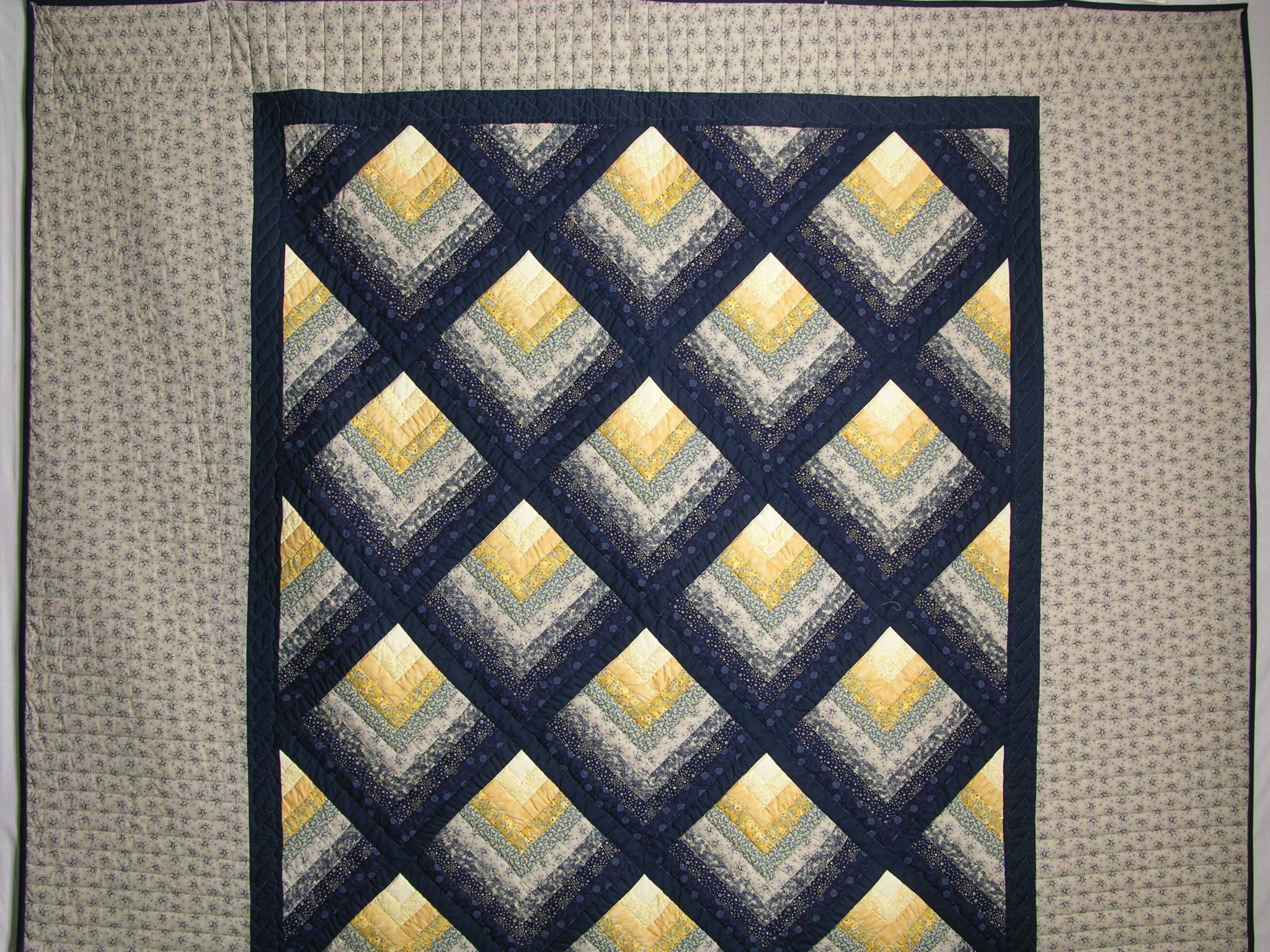 Navy And Yellow Chevron Log Cabin Quilt Hannah S Quilts